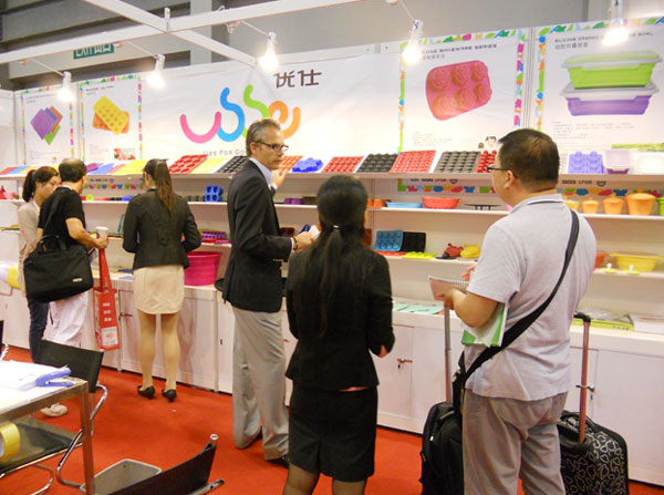 Silicone lunch box Products Exhibition on 2013
