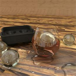 Use ice ball ice tray mold to make unique ice cubes_hanchuan