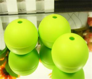 Round ball ice tray OEM from hanchuan silicone ice trays specialist!