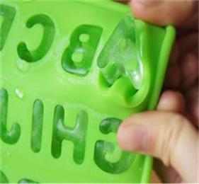 How to make ice cubes with these reusable silicone ice cube trays?