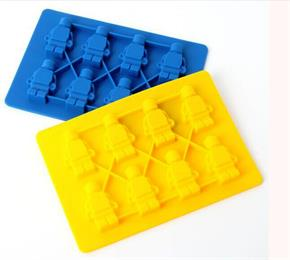 Singapore importer requires silicone ice tray custom in Hanchuan to make sure 100% independent innovation.