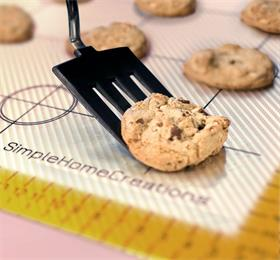 useful anti-slip custom silicone baking mat