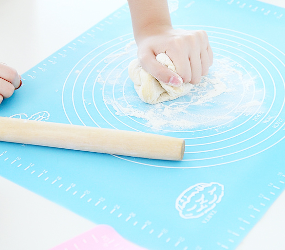 reusable silicone baking mat for pastry rolling with measurements