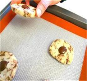 premium silicone baking mat for healthy eating