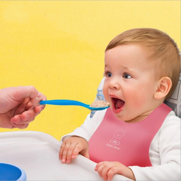 food grade waterproof silicone bib easily wipes clean